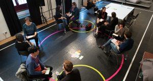 圖:「市場工作坊」小組討論活動現場。 © David Ausserhofer